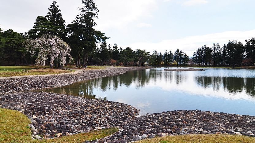 hồ nước tự nhiên ở đền Motsuji