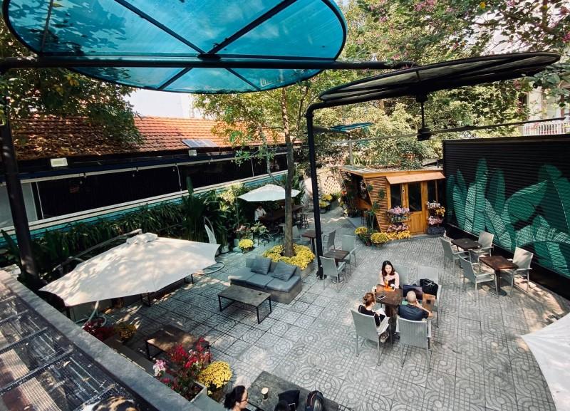 cafe sân vườn tinh tế